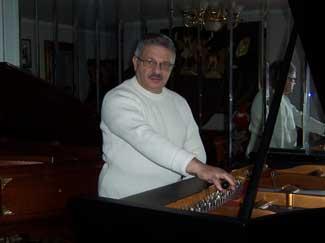 Professional Piano Tuner
